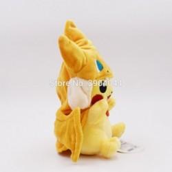 Peluche pikachu déguisé en dracaufeu 25 cm vue de profile