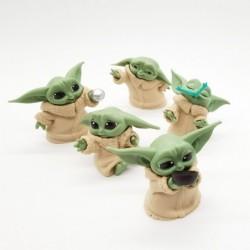 figurine baby yoda